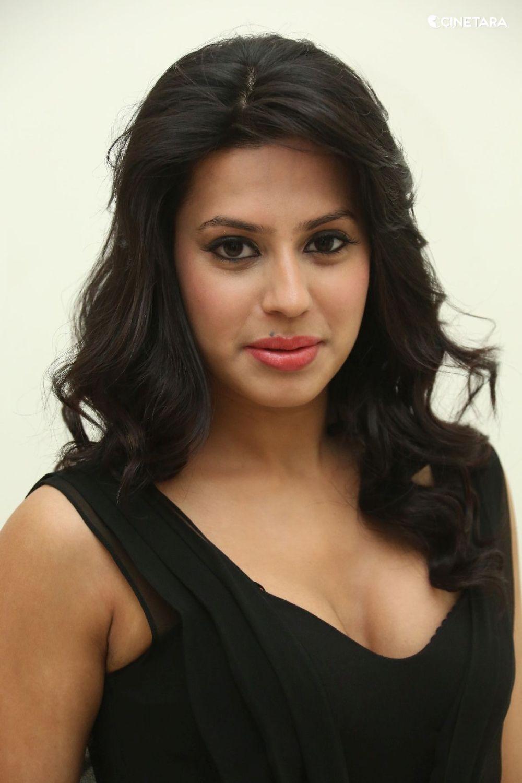 Actress-Ranya-1